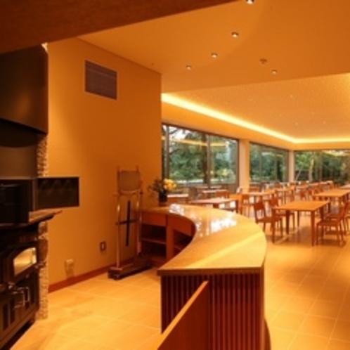 【食事場所】2014年夏オープンの石窯レストラン「MON」。天橋立の傍らで土地の味覚をお楽しみ下さい