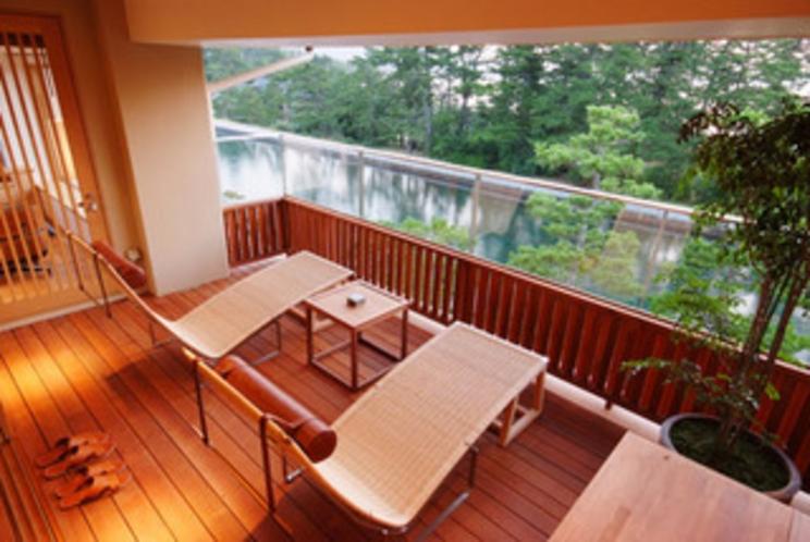 【特別室】目の前に飛び込むのは天橋立を見下ろす絶景。