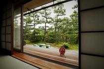 【雪月花の棟】1階は庭に面した眺め。日本三景を遠くにした特別な時間をどうぞ