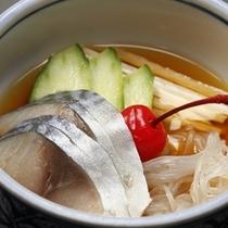 山芋と海鮮の酢の物