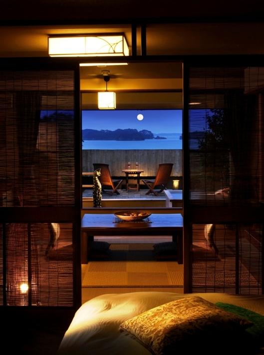 アジアンモダンな客室 庭付き露天風呂付ローベット和室