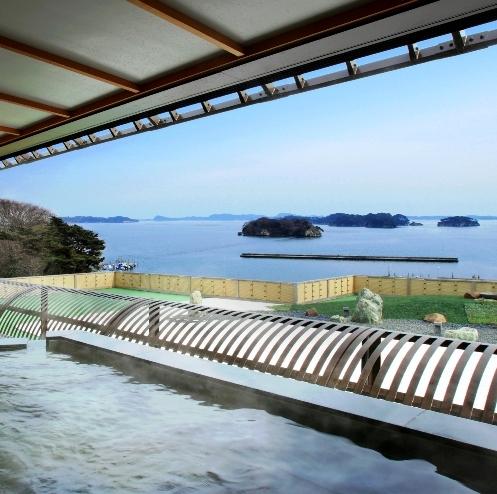 屋上風呂「みはらしの湯」から松島湾