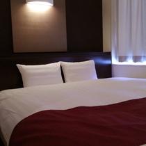 ベッド幅180cm