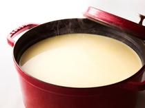 日替わりで北海道産とうもろこし入りコーンスープやミルクスープをご用意しております。