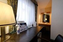 ツインルーム type4 (室内28.2m2 ベッド120cm バスルーム1.7x2.1m)