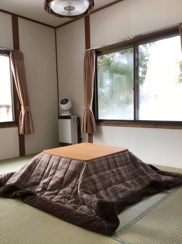 和室6畳 冬はコタツも