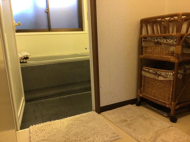 脱衣室とお風呂