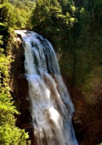 尾瀬、三条の滝