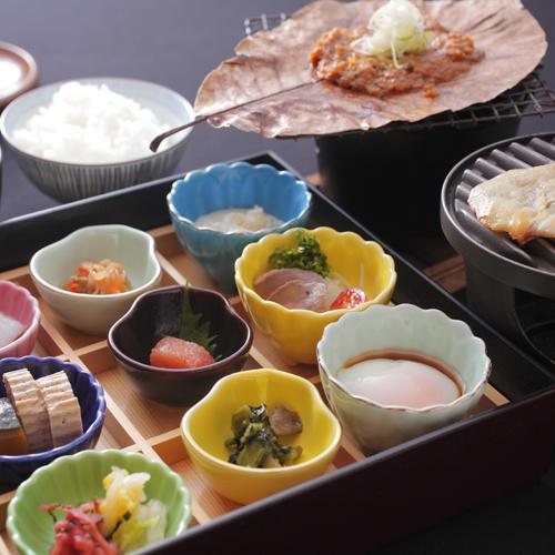 【新・朝食】少しずつ色々なものを食べたいという声にお応えして2009年11月にリニューアルしました!