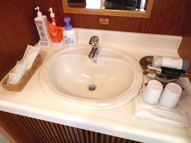 客室の洗面所の一例です。
