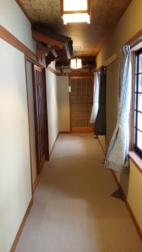 一階の廊下