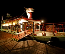 ナイトクルージング 船