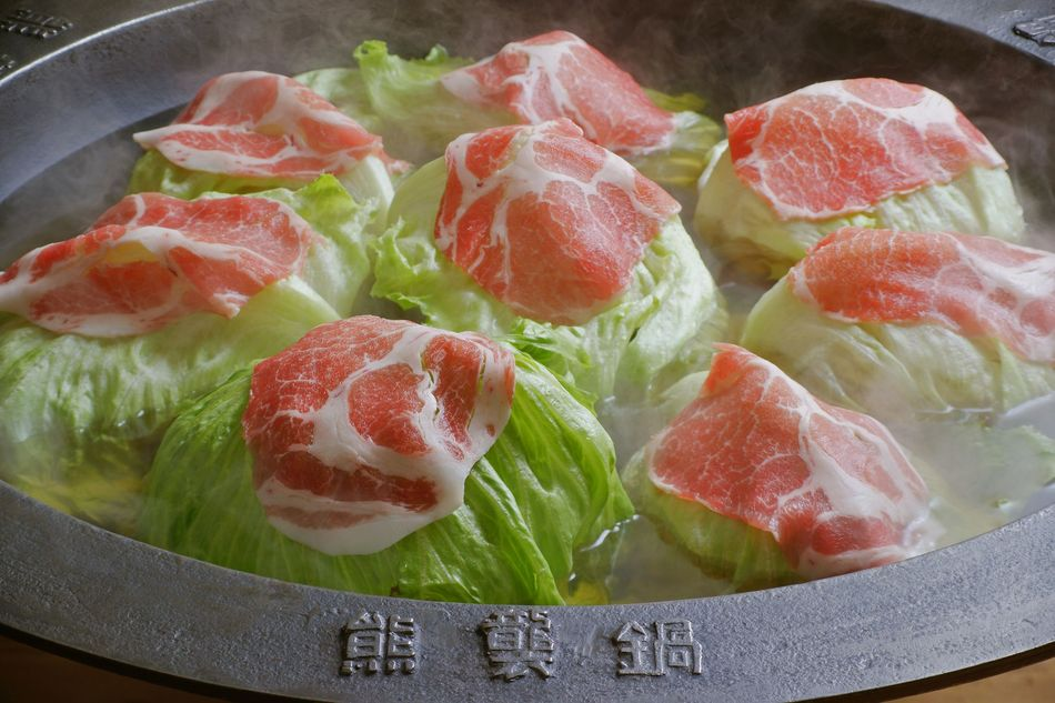 ヨォッ!日本一の鍋。かごしま特選黒豚しゃぶ「くろくま」総合優勝受賞