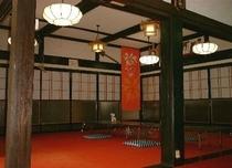 民芸調の食堂