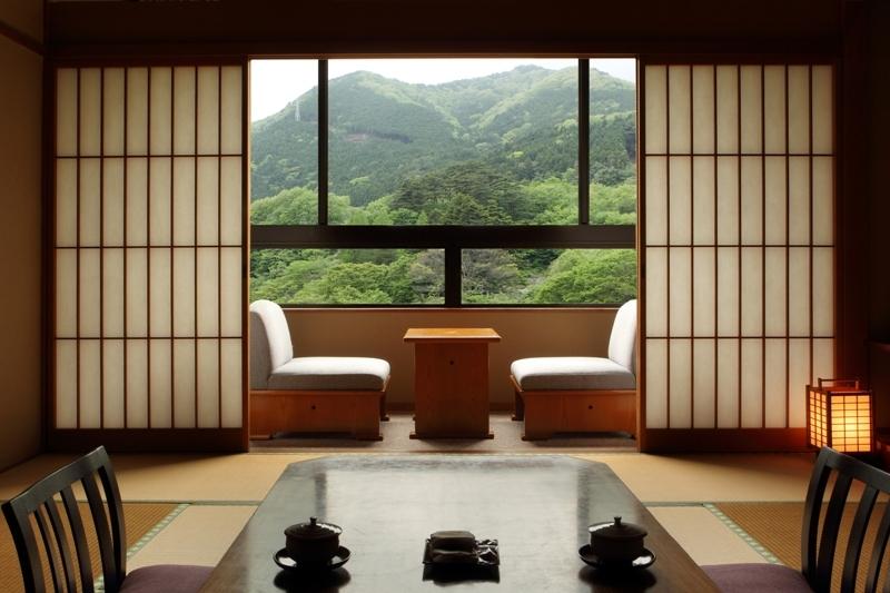 渓谷沿いの和室12畳(景色)