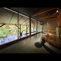 大浴場【陶温の湯】左斜め上からのアングル