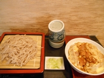 更科の「蕎麦とかつ丼」