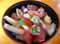 みとや寿司の「特上ちらし」