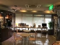 ロビーでは無料のコーヒー&紅茶、松本・安曇野・上高地などのパンフレット観光情報誌をご用意♪