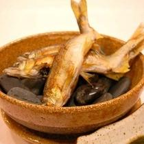 川魚料理で召上って頂く鮎