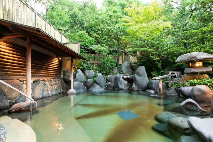 【温泉】木肌の湯「浮殿」露天