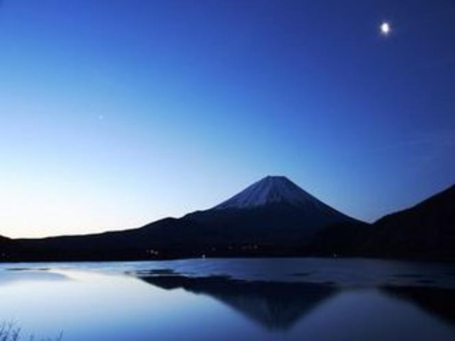 河口湖の逆さ富士〜冬〜