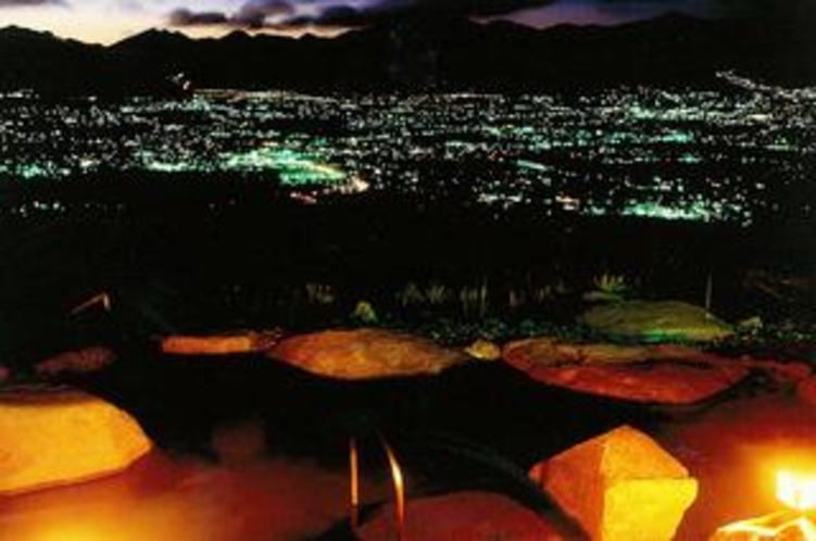 ほったらかし温泉の夜景