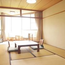 *【和室10畳】海を眺めながらお寛ぎ頂けるお部屋です。