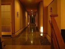 山荘本館廊下