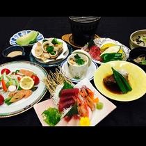 """季節の""""大地の恵み""""会席料理"""