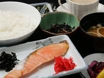 和朝食☆ ご飯、味付けのりお替わり自由です