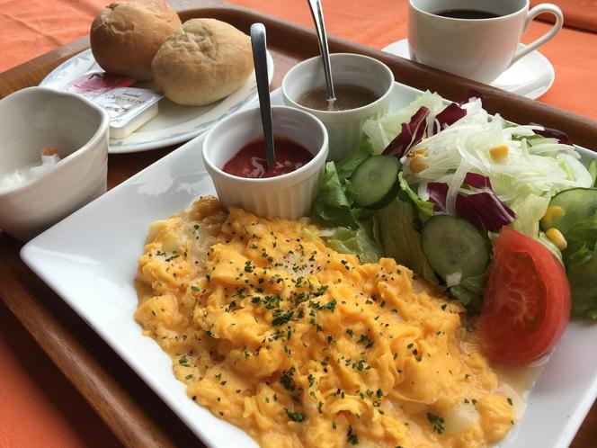 朝食☆ チーズ入りスクランブルエッグ