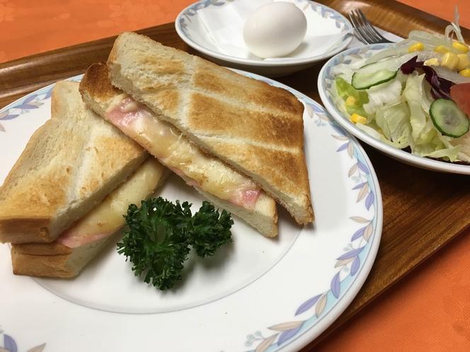 朝食☆ ハムとチーズのホットサンド
