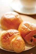 【朝食】朝はパン党という方もそうでない方も一度はご賞味くださいませ。自慢のヨーロッパ直輸入ブレッド