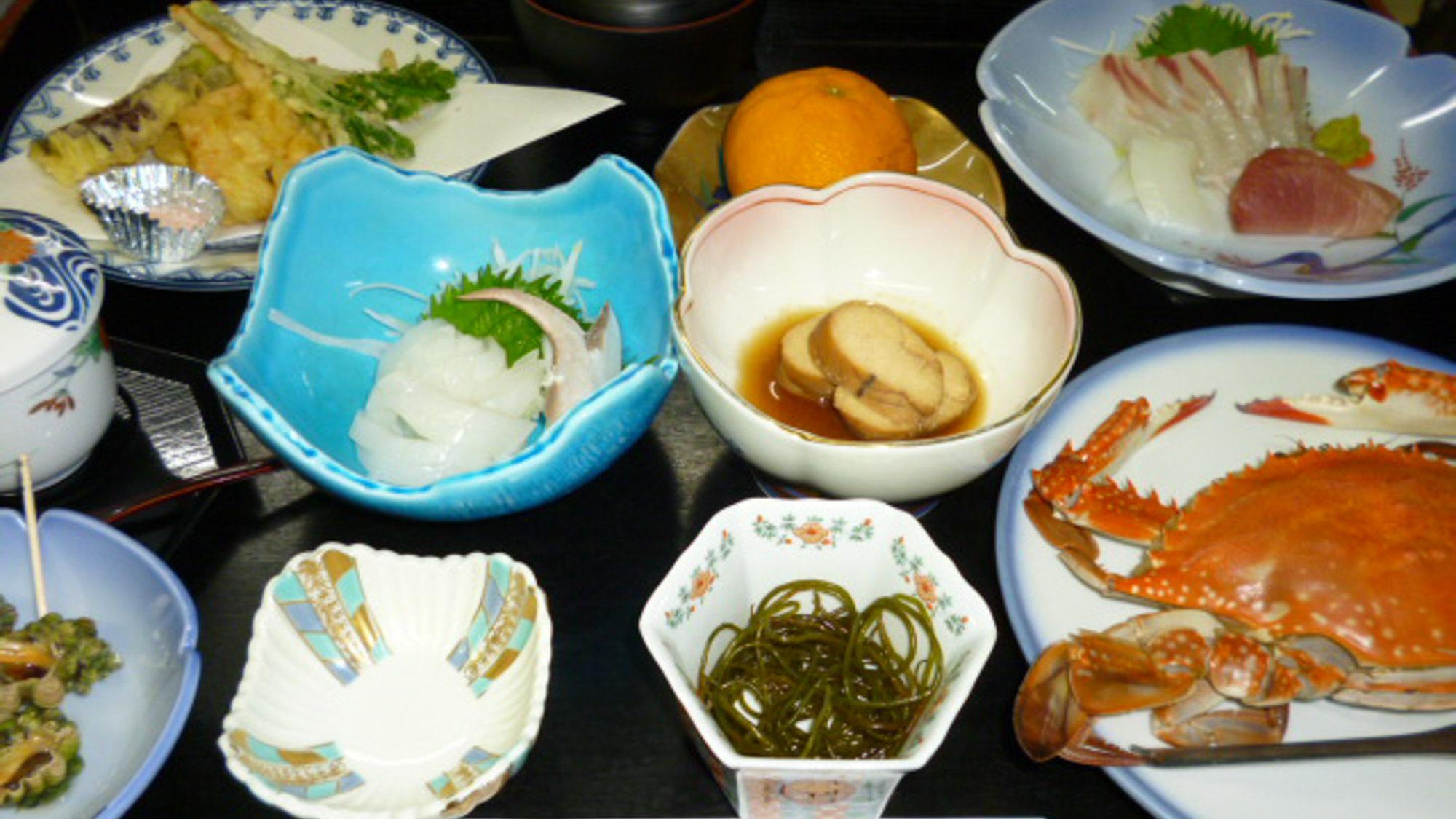 【お食事】お腹も心も大満足!新鮮な食材を使って、テーブルいっぱいにお出しいたします!