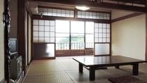 *【和室6畳・一例】昭和の雰囲気が残るお部屋。ゆっくりとした時間をお過ごしいただけます。