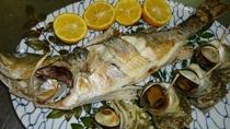 【お食事】倉岳町棚底港で取れた新鮮な魚介をつかって、贅沢に調理しています。