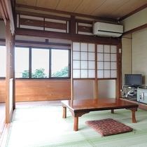 【和室6畳・一例】昔ながらの縁側つき和室です。