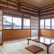 【和室6畳・一例】窓が大きく広々!昔ながらのレトロな和室です。
