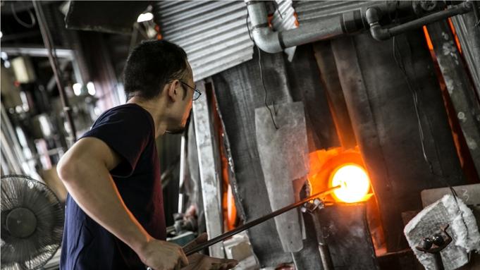 【巡るたび、出会う旅。東北】青森伝統工芸 津軽びいどろ工場見学プラン