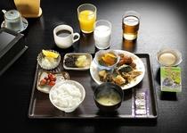 好評の朝食バイキング(盛付例:和食メイン)