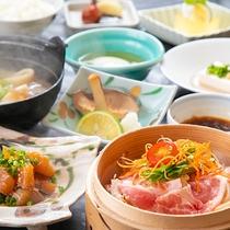 【ご朝食】※表示画像はイメージです。季節などによりお料理内容が変わります。