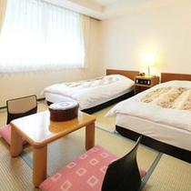 *【客室一例/訳あり部屋】和室にベッドを2つ入れたタイプ。リーズナブルにご提供致します!