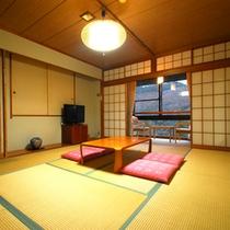 *【客室一例/和室10畳】ご家族やグループでのご宿泊におすすめです。
