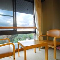 *【お部屋からの景観一例】窓の外には箱根の美しい自然の風景が広がります。