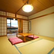 *【客室一例/和室10畳】ゆったり寛げる10畳の和室です。4名以上~ご予約可能です。