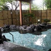 *【露天風呂】大平台温泉は皮膚病・婦人病・リウマチ・神経病に効能があるとされています。