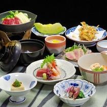*【夕食一例】目と舌で趣向を凝らしたお料理をご堪能下さいね。