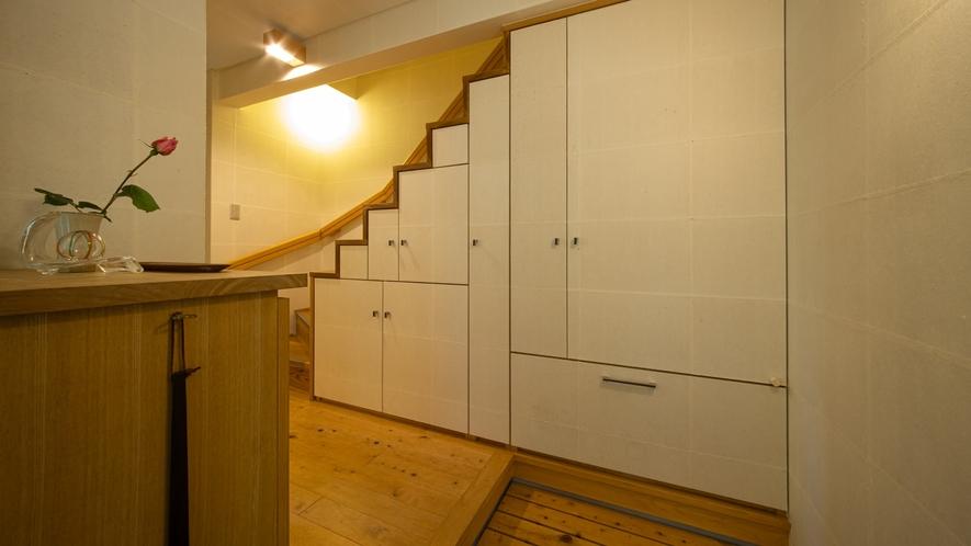 *【Room2・館内一例】階段
