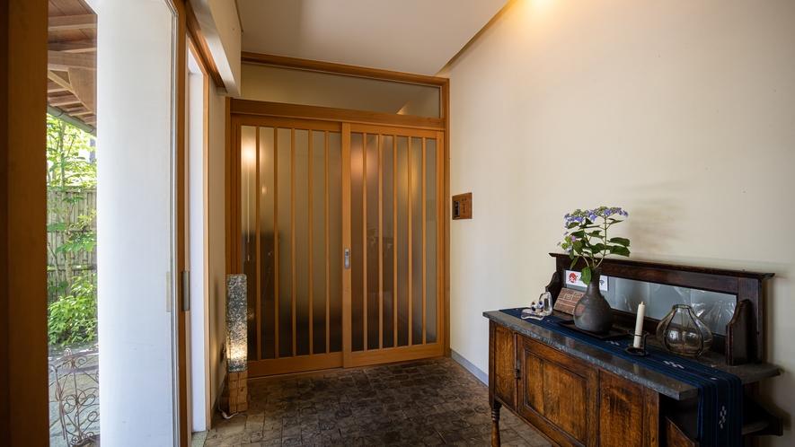 *【館内一例】お部屋の入り口